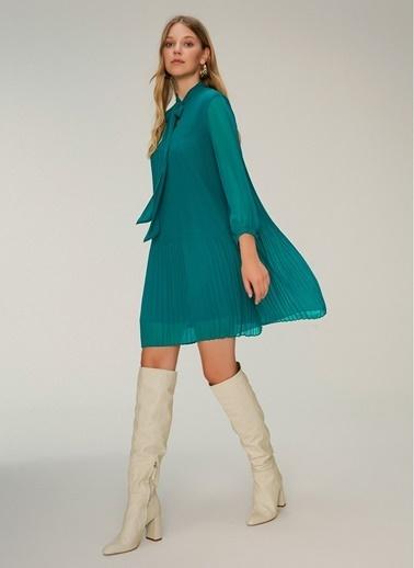 NGSTYLE Piliseli Şifon Elbise Yeşil